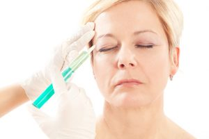 A liquid facelift is a nonsurgical procedure where cosmetic fillers are used to contour and lift facial features, primarily in the middle and lower areas of the face.